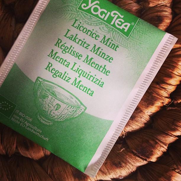 Svårt att vara sjuk, uttråkad och hemma med sötsug... Kanske lite te hjälper? #lchf10veckor #lchf #yogitea #sötsug
