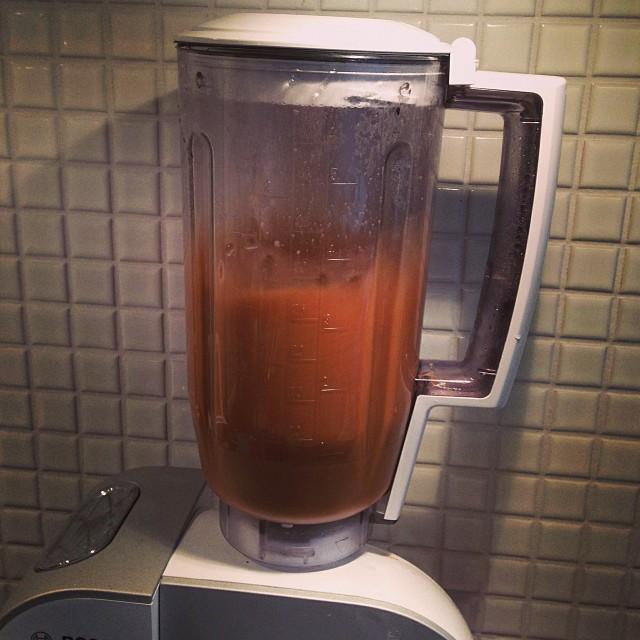 Magic bullet coffee i min blender. Istället för lunch?! #lchf #lchf10veckor #vabbar