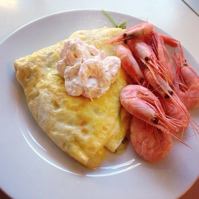 Lyxig söndagsfrukost! Tänk om man kunde äta så här varje dag, fast då kanske det inte skulle bli lika lyxigt. #lchf #lchf10veckor #lyx