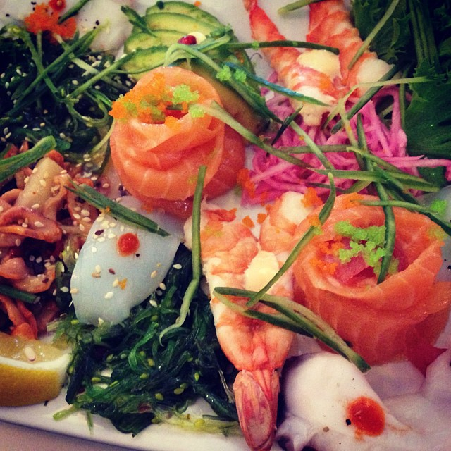 Sashimi till lunch för min del. #sushi #sashimi #lchf #lchf10veckor