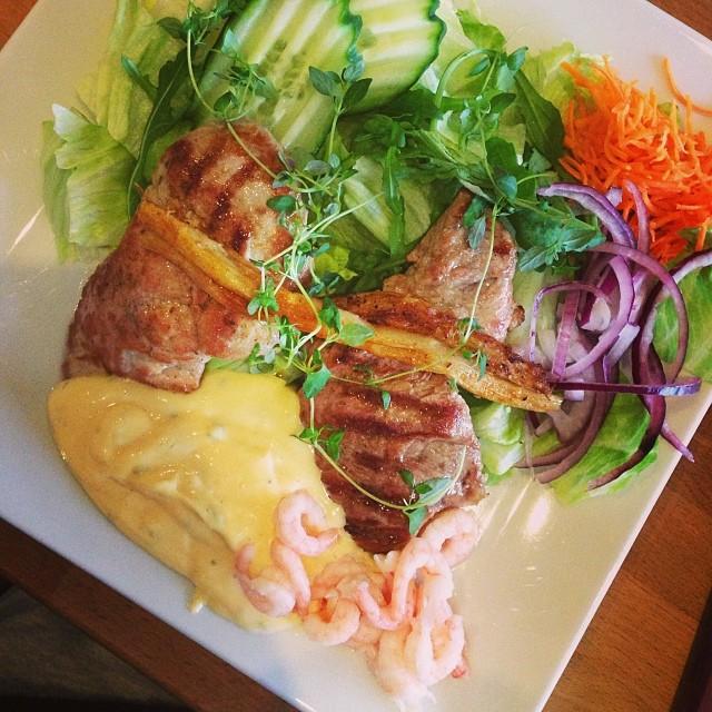 Lunch: filé Oscar med sallad #lchf #lchf10veckor
