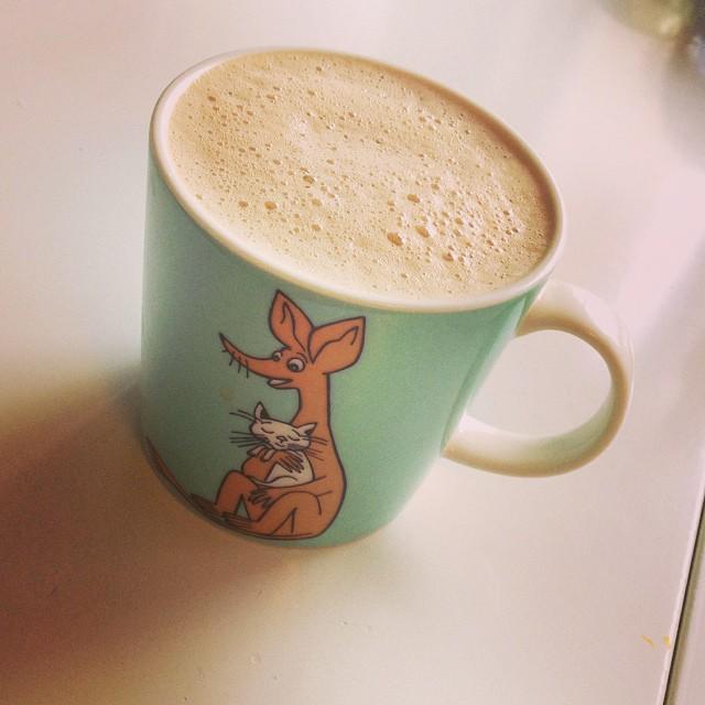 Kaffe med kokosolja och grädde #lchf #lchf10veckor