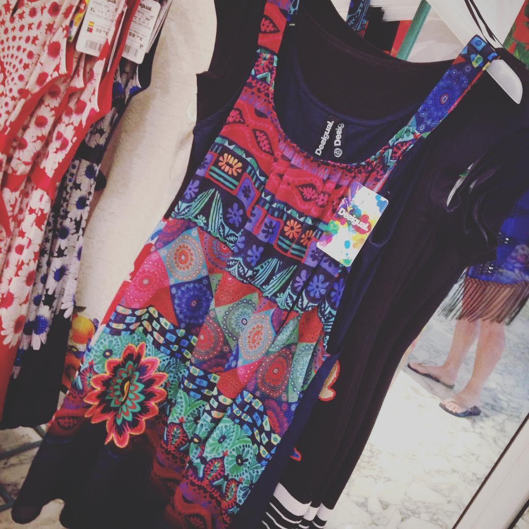 Såg ett antal fina klänningar under semestern som jag vill köpa... Men jag betalar inte 800 kr för en klänning som inte sitter snyggt på. Dags att kämpa på, och sen en ny klänning ?